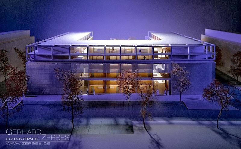 Model eines Architekten Architekturfotografie zur Firmenpräsentation. Werbefotografie Köln