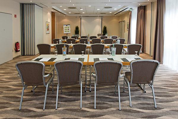 Konferenzraum - Hotelfotografie für Web, Print und Presse. Fotos der Hotelarchitiktur, Zimmer und vom Ambiente.